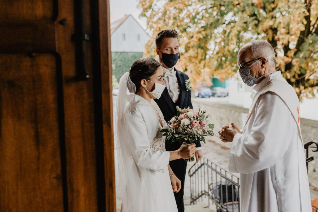 Hochzeit_mit_Maske